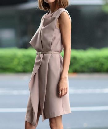 ベルト付きラップドレス